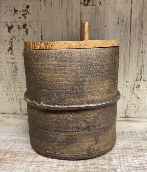 Boîte en grès ovale avec couvercle en chêne.